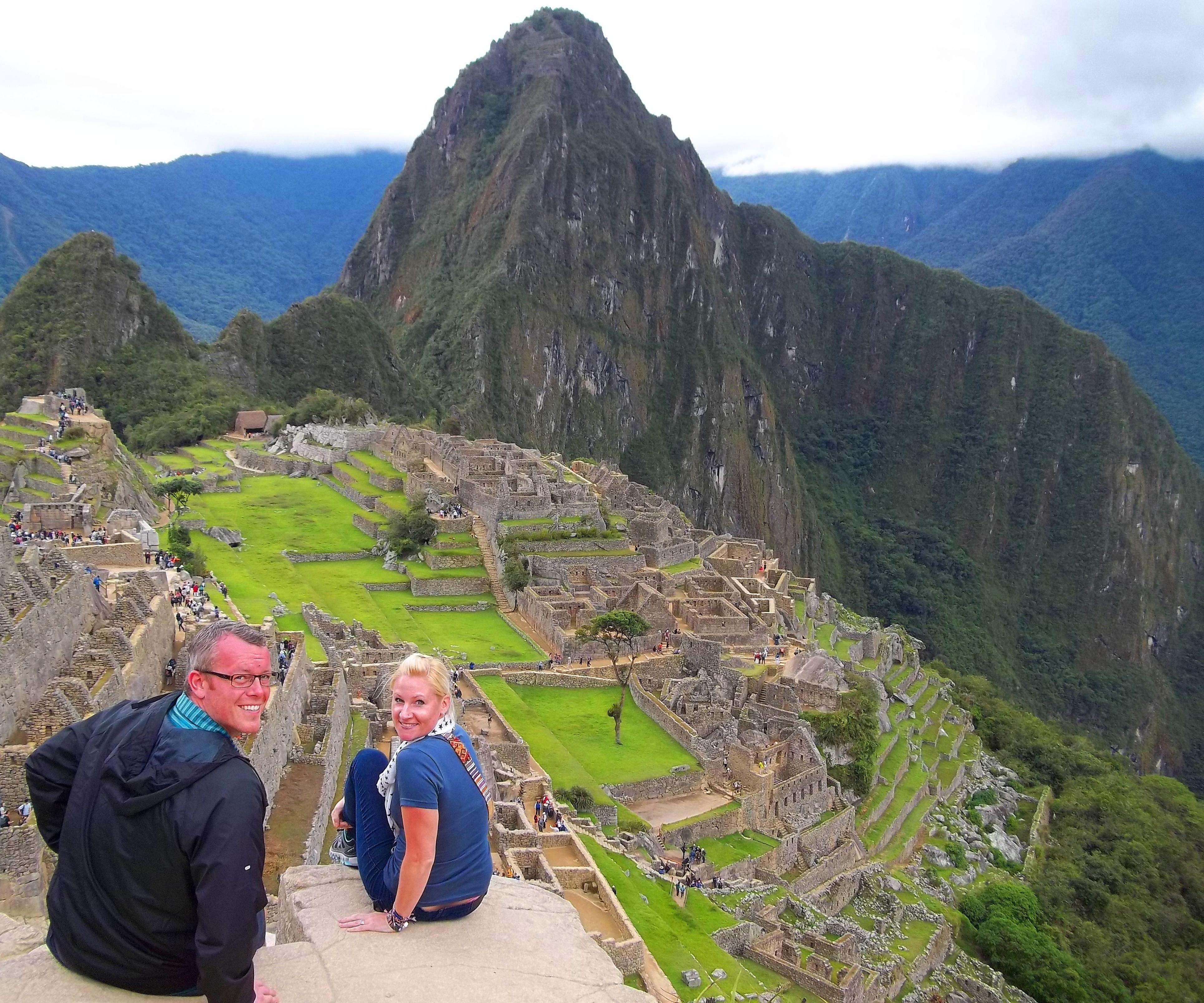 Una parella per la carretera a Machu Picchu, Perú